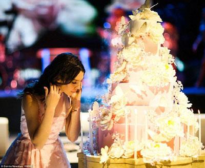你还炫富吗?15岁少女奢华生日派对花费4000万元(图)