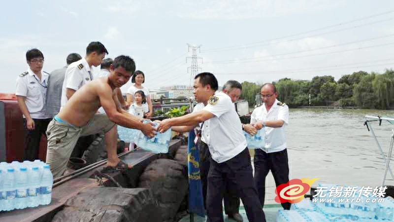汛情影响 600船只滞留无锡海事部门援助补给