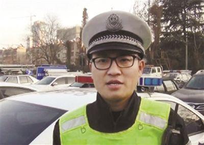 留学硕士归国后弃40万年薪工作报名当辅警
