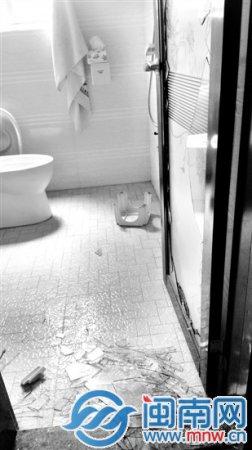 三龄童被父亲按进马桶扔下二楼 泉港警方立案调查