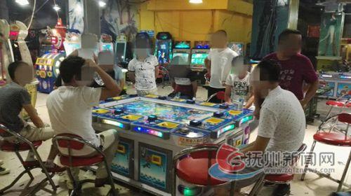 警方摧毁城区一游戏机赌博窝点