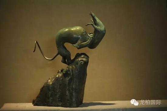 马宏法作品 《逗兽系列惊浪》